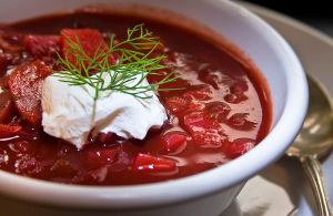 Borscht with sour cream (photo credit: Liz West from Boxborough, MA [CC-BY-2.0 http://creativecommons.org/licenses/by/2.00] via Wikimedia Commons